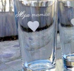Kozarec za vodo z graviranim napisom