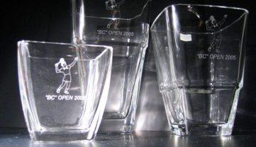 Gravirane steklene vazice